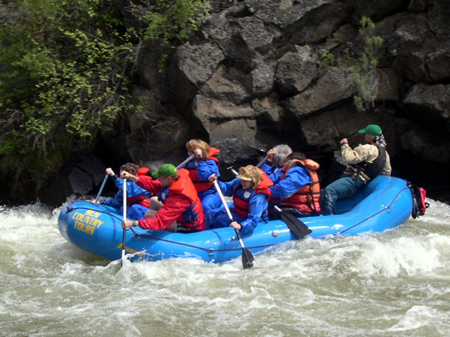 Deschutes River Rafting At Big Eddy Near Bend Or