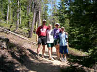 We met this nice family of hikers on the trail down.